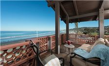 Beachfront Deluxe - Private Balcony
