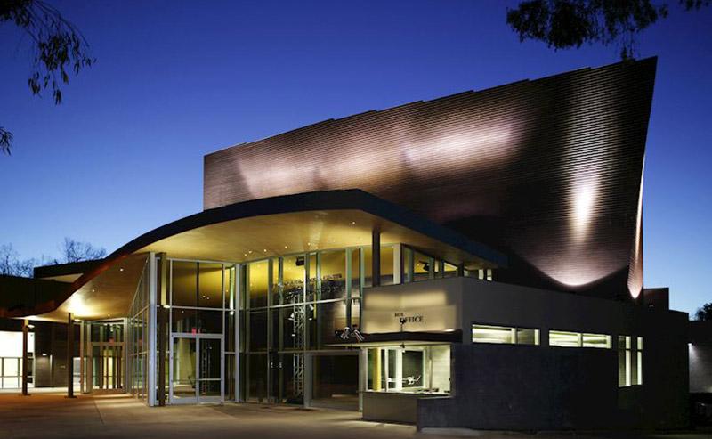 Building of the La Jolla Playhouse at night.