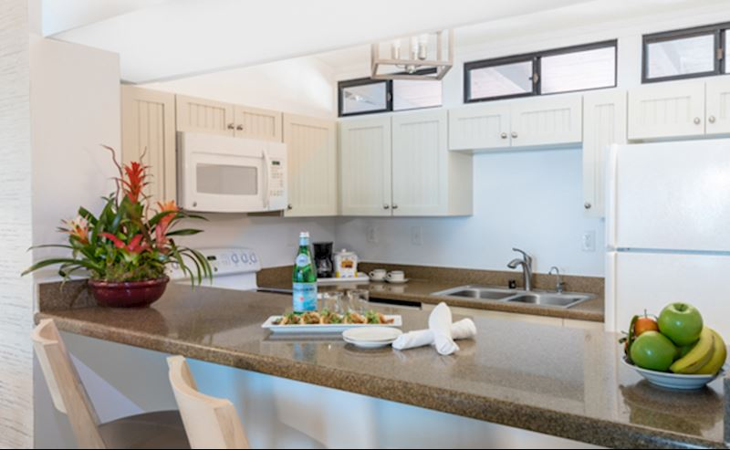 La Jolla Shores Hotel beachfront suite with kitchenette