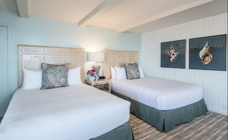 Beachfront Deluxe Room with Two Queen Beds at La Jolla Shores Hotel