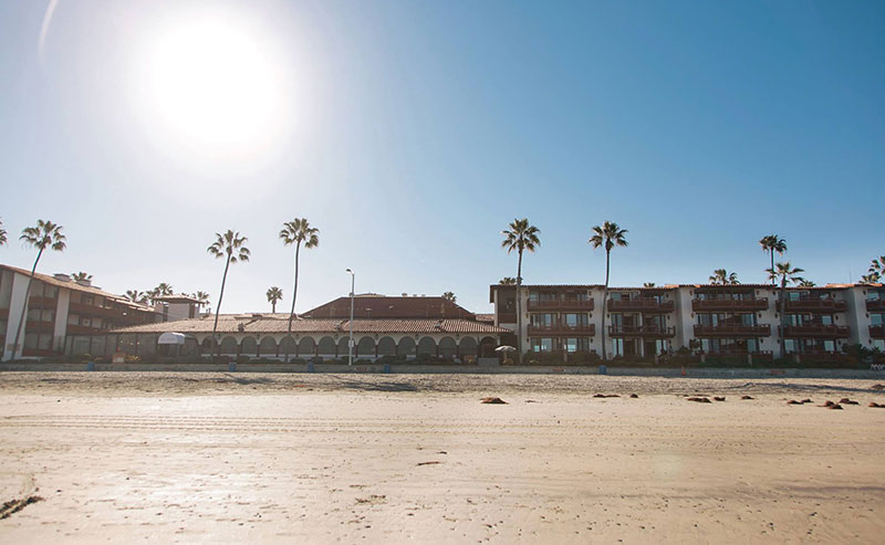 A beach view of La Jolla Shores Hotel