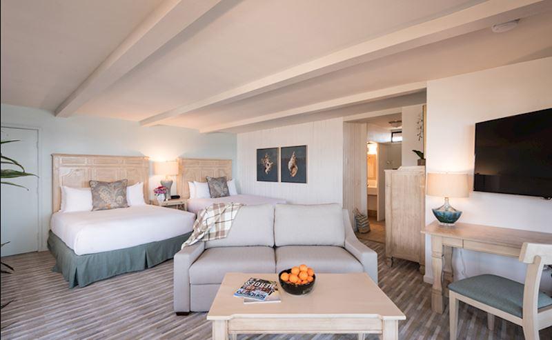 La Jolla Shores Hotel Beachfront Deluxe Living Area