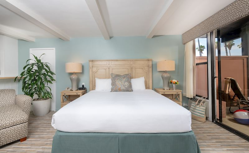 La Jolla Shores Hotel Garden Patio Room with King Bed