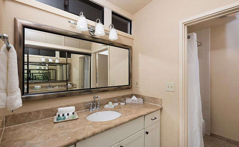 Inside the bathroom in a La Jolla Shores Hotel room