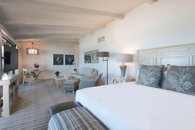 Beachfront Deluxe King at La Jolla Shores Hotel California