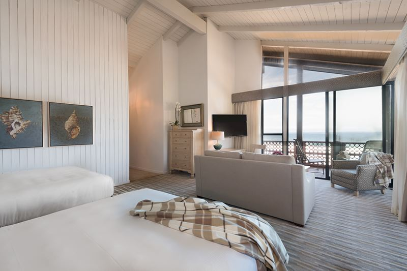 Beachfront Deluxe with Two Queen Beds at La Jolla Shores Hotel California