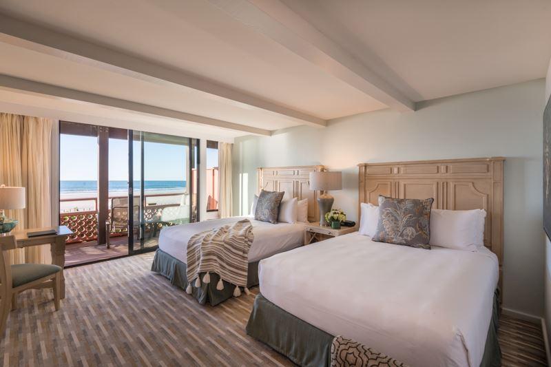 Beachfront Room in La Jolla Shores Hotel California