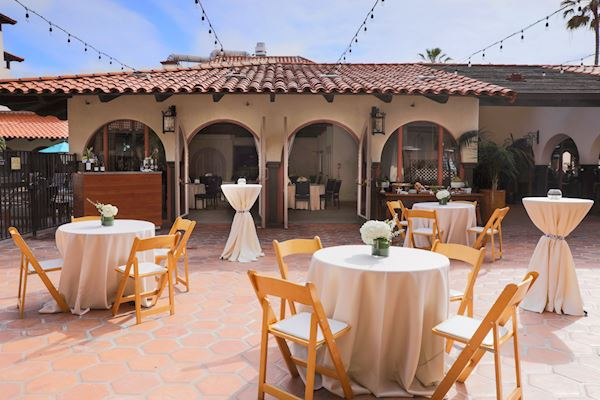 La Jolla Room and Patio of California